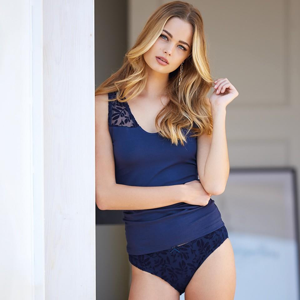 Jadea Chic σετ μπλε-navy αμάνικη μπλούζα και σλιπ με σχέδιο από βελούδινα φύλλα 4680D
